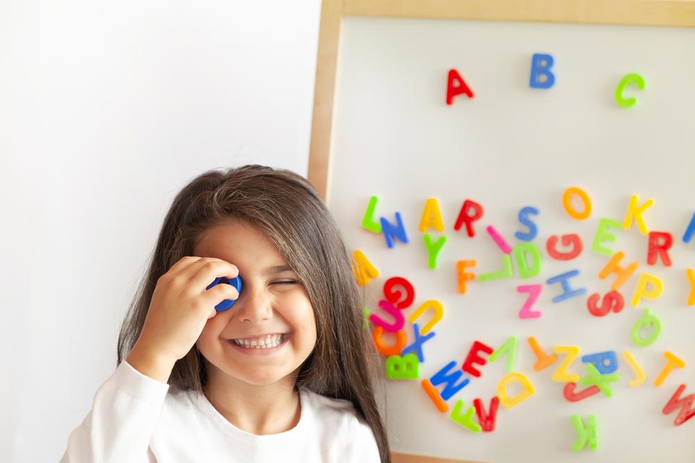 Нейробиологи объяснили сверхспособности детей к языкам.Вокруг Света. Украина