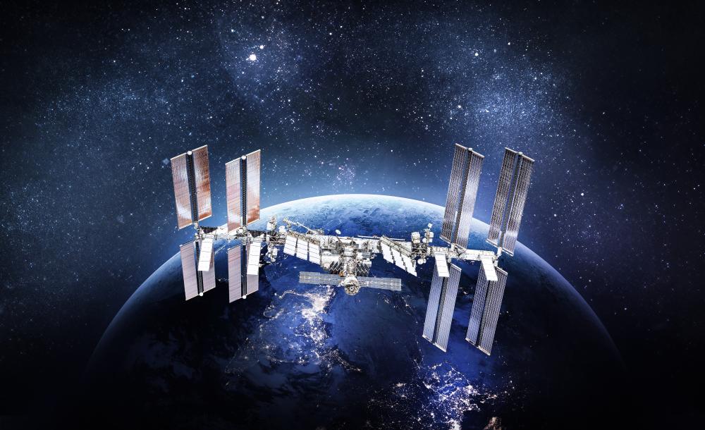 МКС избежала опасного столкновения с космическим мусором.Вокруг Света. Украина