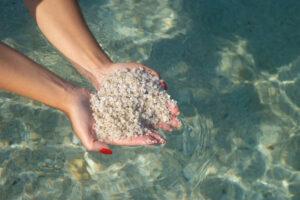 Француза оштрафовали на 1000 евро за украденный песок