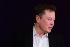 Илон Маск стал третьим богатейшим человеком мира