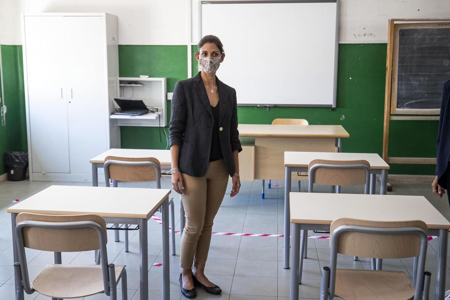 В итальянских школах запретили петь.Вокруг Света. Украина