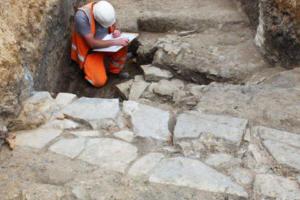 В Англии под парковкой нашли потерянный монастырь XIII века