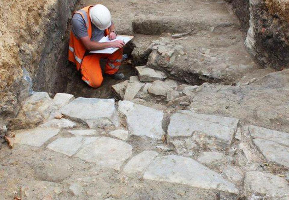 В Англии под парковкой нашли потерянный монастырь XIII века.Вокруг Света. Украина