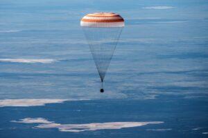 63-й экипаж МКС вернулся на Землю