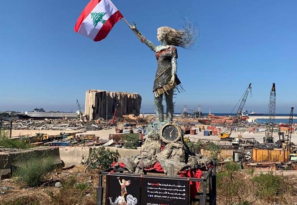 В порту Бейрута установили статую из обломков от взрыва.Вокруг Света. Украина