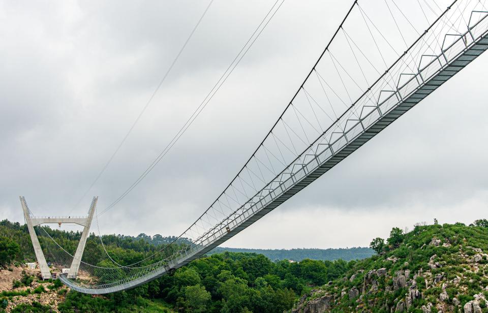 В Португалии откроется самый длинный в мире подвесной пешеходный мост