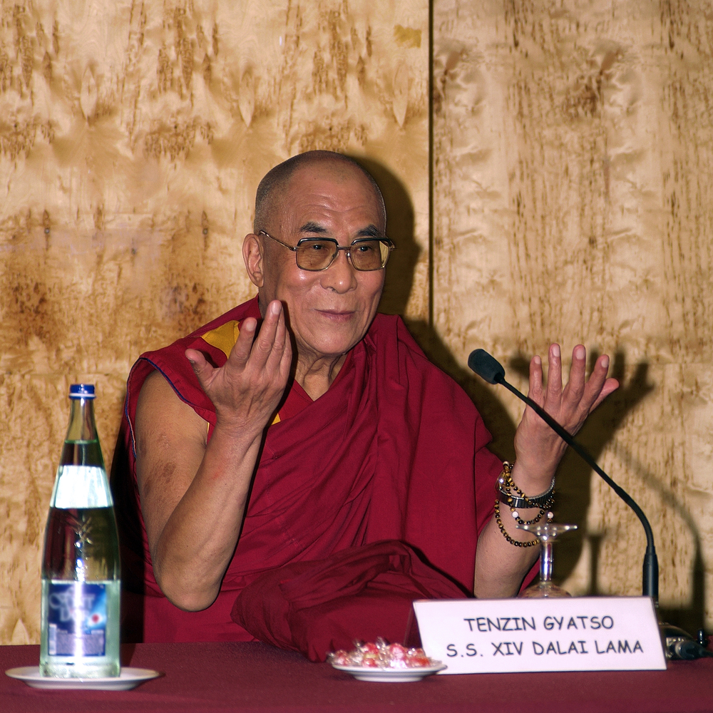 Далай-лама впервые ответит на вопросы украинцев