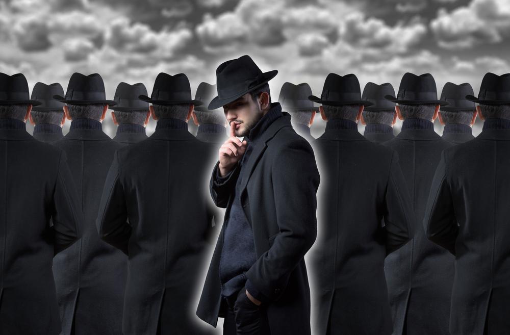 Какие люди верят в теории заговора