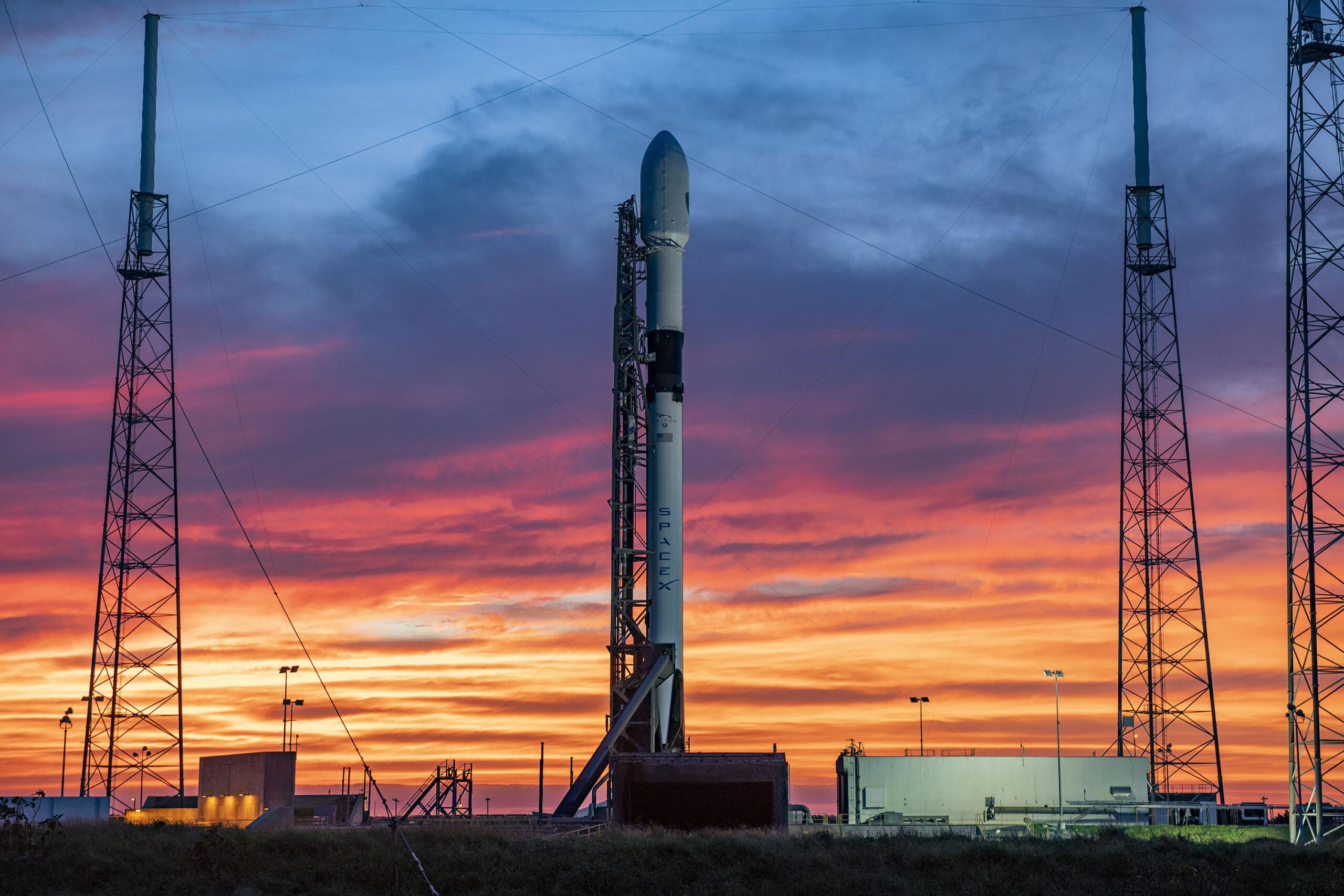 SpaceX создаст для Пентагона спутники слежения за ракетами
