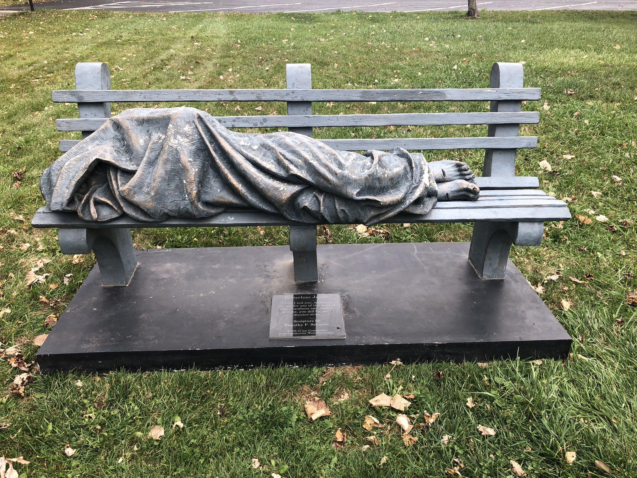 В США установили статую Иисуса в виде бездомного.Вокруг Света. Украина