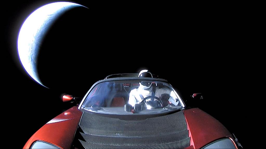 Родстер Tesla с манекеном на борту приблизился к Марсу.Вокруг Света. Украина