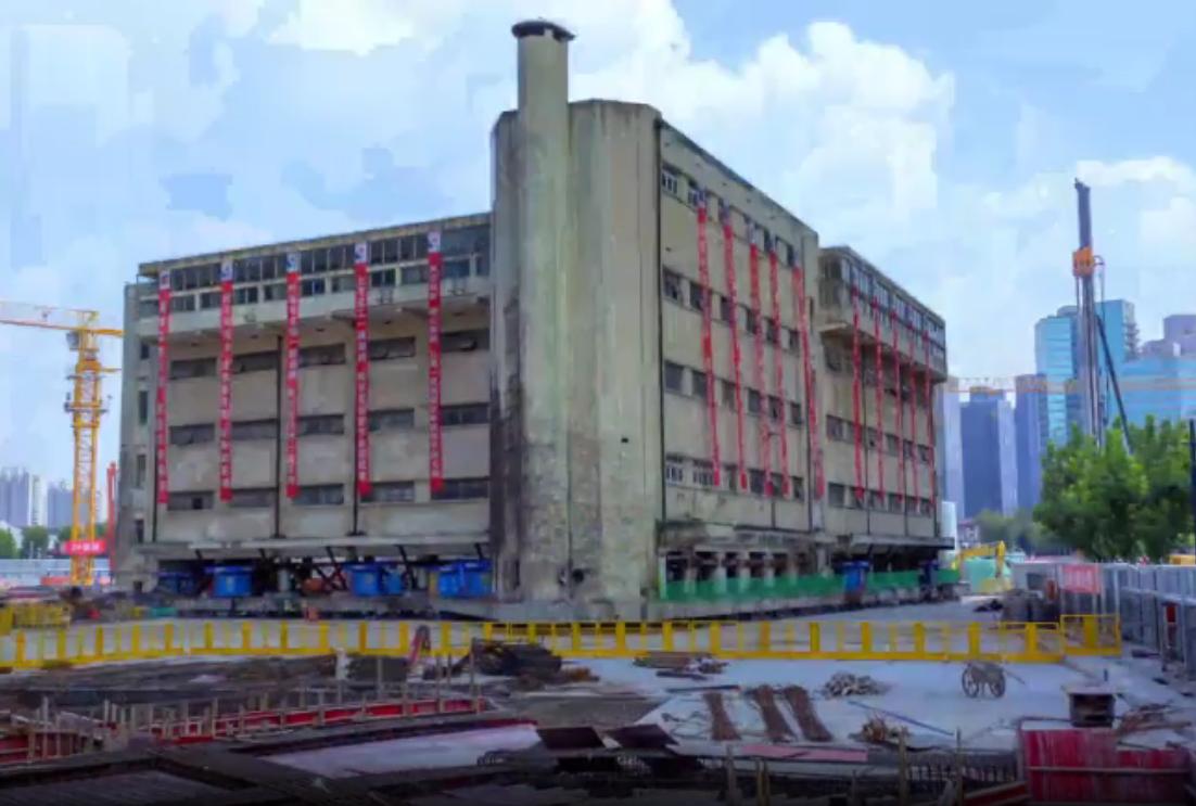 В Шанхае 5-этажное здание школы перетащили на 60 метров: таймлапс.Вокруг Света. Украина