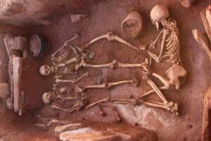 В Сибири нашли могилу женщины-воина с мужем, младенцем и няней