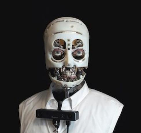 Инженеры научили робота смотреть в глаза человеку
