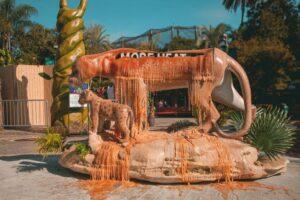 Во Флориде установили тающие скульптуры