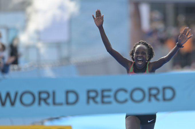 Кенийская легкоатлетка победила саму себя