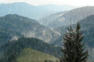 Дождь может сдвигать горы — исследование