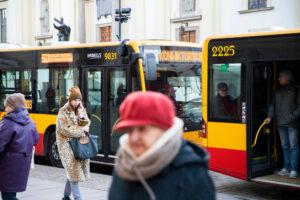В автобусах Варшавы начали показывать ролики об Украине