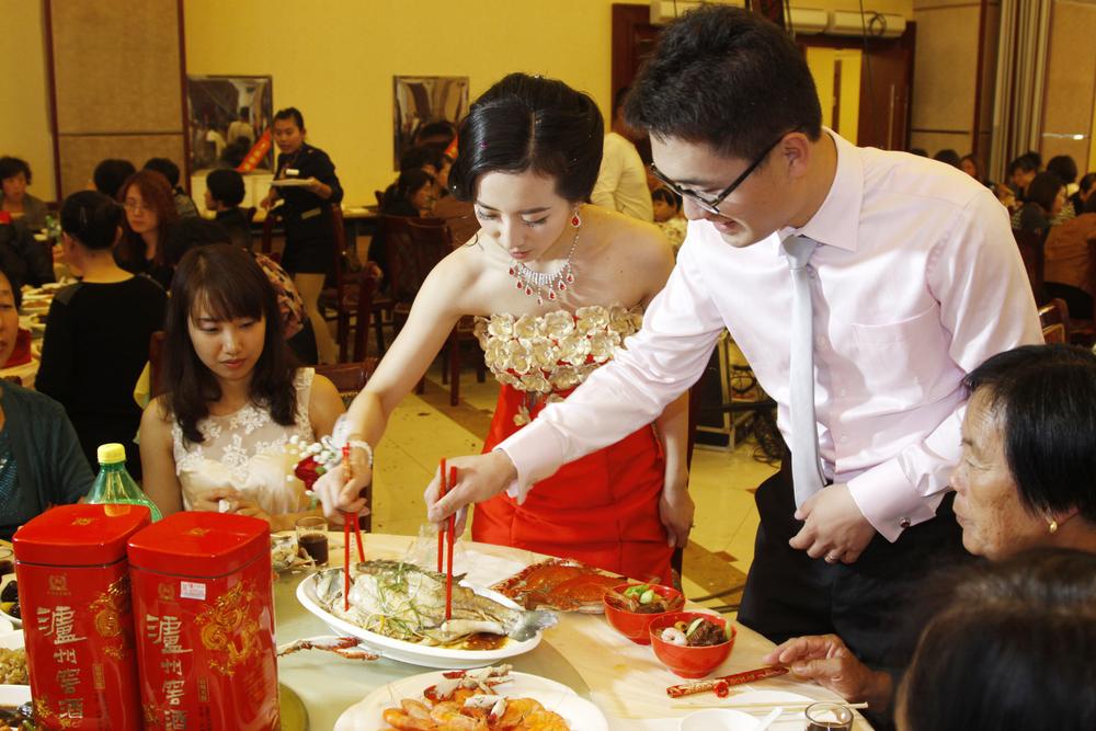 1,2 млн молодоженов: в Китае – первый свадебный бум с начала пандемии