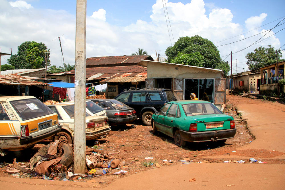 Богатые страны вывезли в Африку миллионы экологически опасных авто.Вокруг Света. Украина
