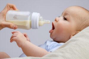 Сколько микропластика съедает младенец из бутылочек