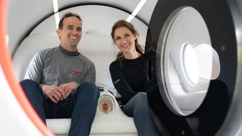 Капсулу Virgin Hyperloop тестировали первые пассажиры.Вокруг Света. Украина