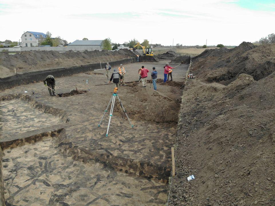 Под Полтавой археологи нашли средневековые коньки.Вокруг Света. Украина