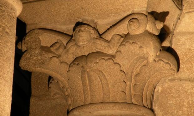 В старинном испанском соборе заметили скрытый автопортрет каменщика