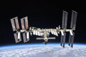 Пилотируемым полетам на МКС исполнилось 20 лет