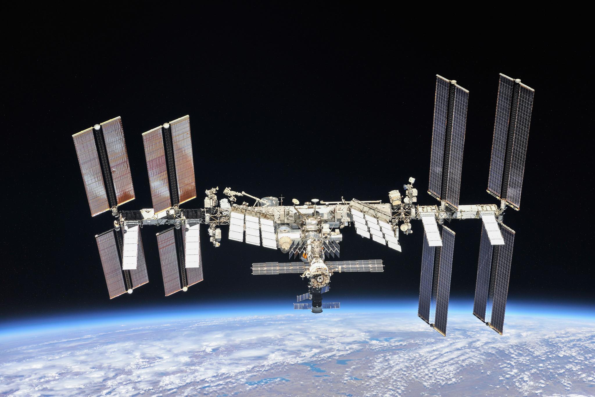 Пилотируемым полетам на МКС исполнилось 20 лет.Вокруг Света. Украина