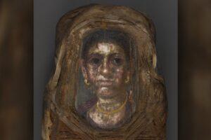 В Египте разгадали тайну необычной мумии с портретом