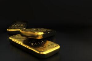 Во Франции нашли золотые слитки в банках с засахарившимся вареньем