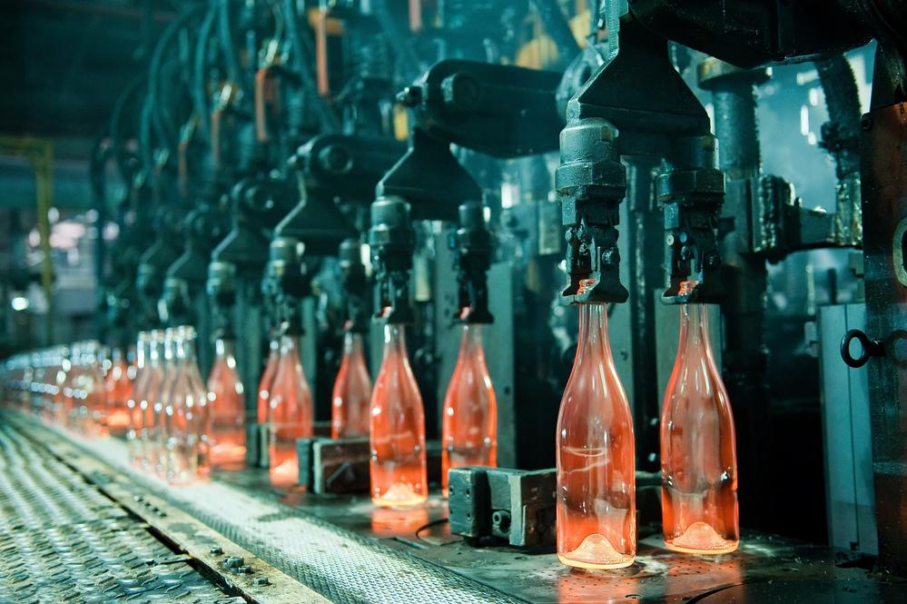 Пластиковые бутылки экологичнее стеклянных.Вокруг Света. Украина