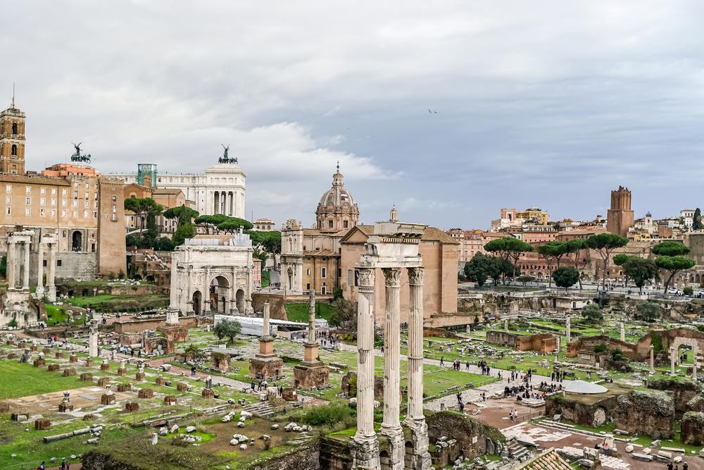 Американка украла древний мрамор из Рима в подарок парню – и вернула спустя 3 года