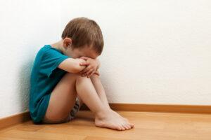 Шотландия запретила шлепать детей