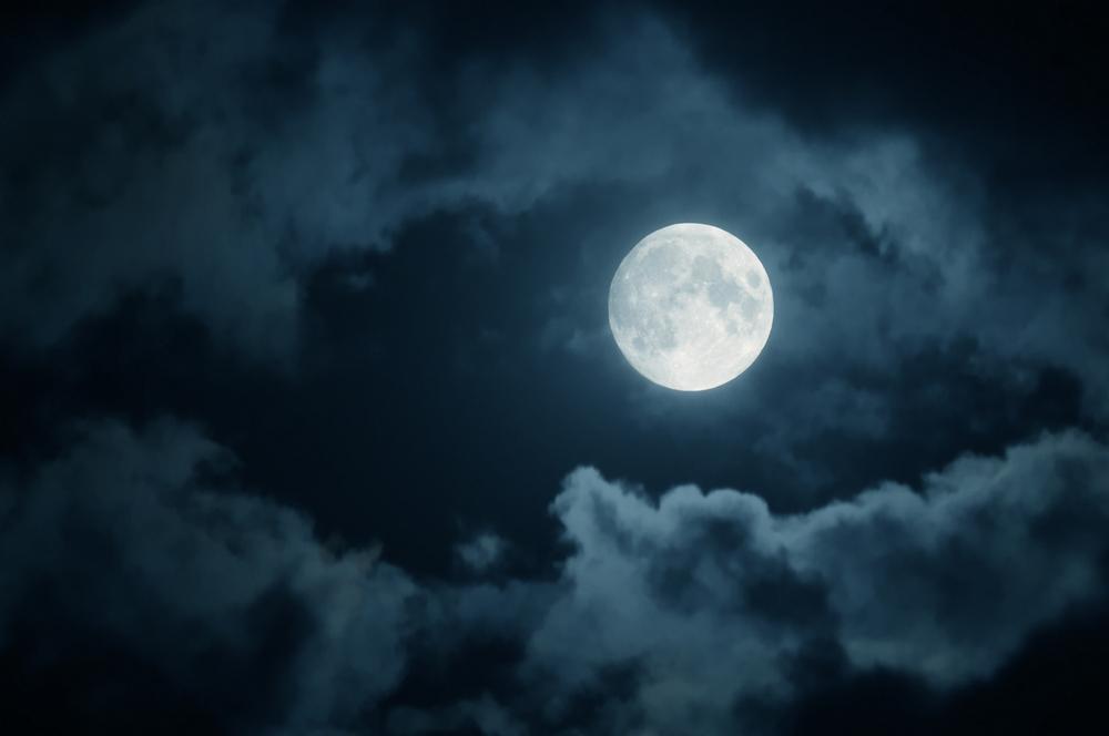 Почему Луна светится?.Вокруг Света. Украина