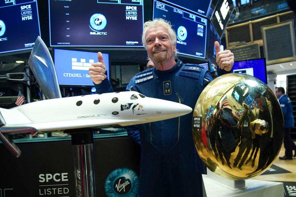 Ричард Брэнсон уточнил сроки своего полета в космос