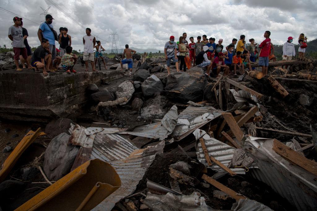 На Филиппины обрушился мощный тайфун. Есть жертвы