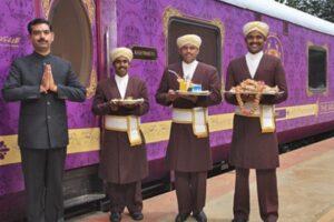 В Индии начнет курсировать туристический VIP-поезд