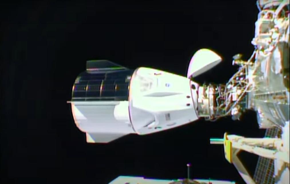 Стыковка SpaceX Crew Dragon с МКС прошла успешно, экипаж уже перешел на орбитальную станцию.Вокруг Света. Украина