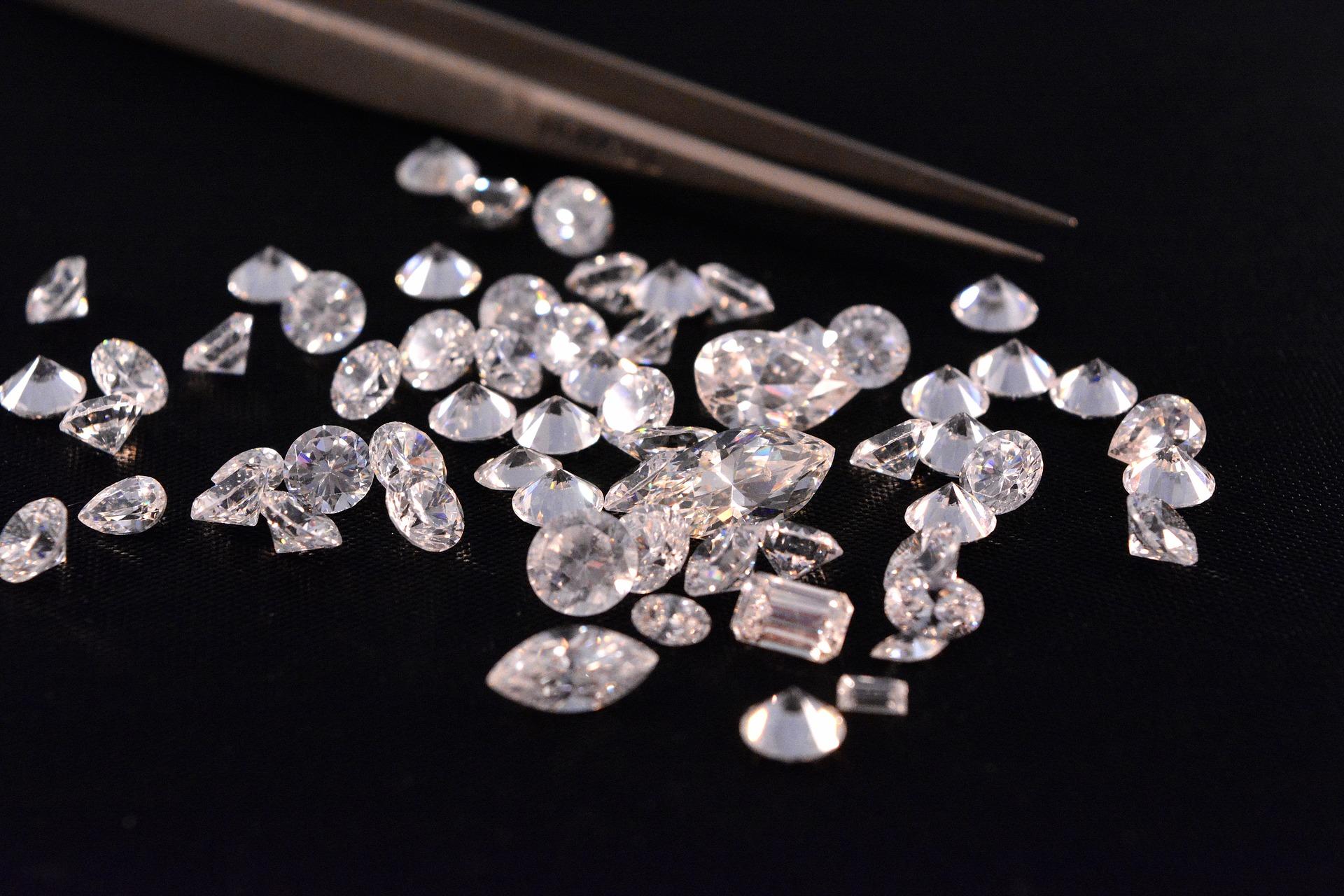 Британский бизнесмен разработал технологию производства алмазов из воздуха
