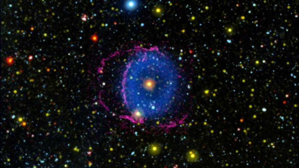 Спустя 16 лет астрономы разгадали загадку туманности Голубое кольцо.Вокруг Света. Украина