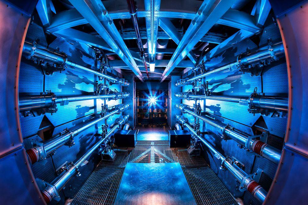 Американские физики готовы запустить реакцию термоядерного синтеза.Вокруг Света. Украина