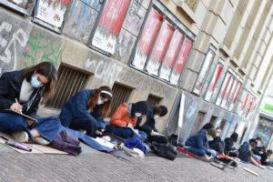 В Италии школьники протестуют против дистанционного обучения
