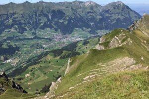 Горную деревню в Швейцарии эвакуируют на 10 лет из-за склада боеприпасов