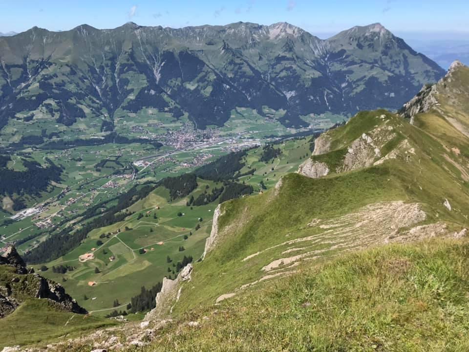 Горную деревню в Швейцарии эвакуируют на 10 лет из-за склада боеприпасов.Вокруг Света. Украина