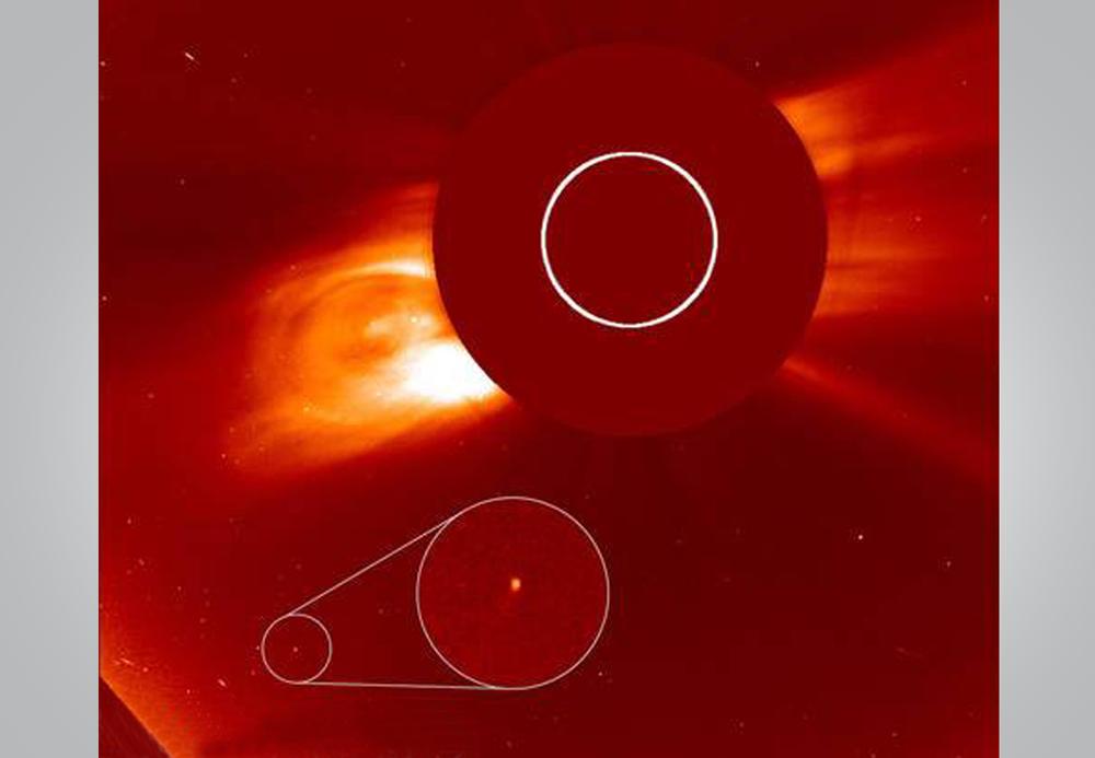 Обсерватория SOHO запечатлела новую околосолнечную комету