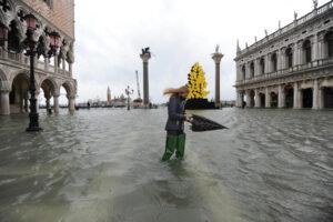 Венецию затопило, несмотря на шлюзы