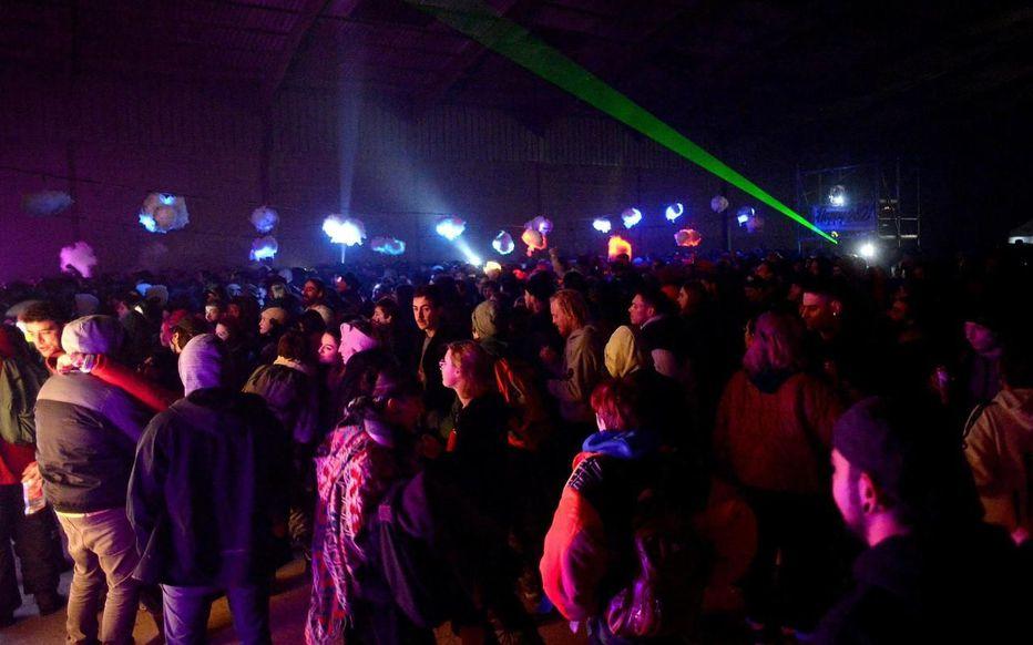 В Бретани наконец разогнали скандальную рейв-вечеринку