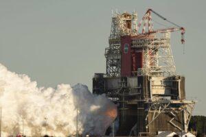 NASA установило причину остановки испытаний мега-ракеты SLS